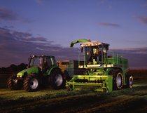 [Deutz-Fahr] trinciamais Gigant 400 e trattore Agrotron 6.30 S al lavoro