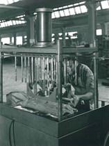 Stabilimento Same - Lavorazione delle scatole della stazione automatica di controllo e foratrici multiple