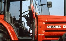 [SAME] trattore Antares 130, particolare cabina e cofano laterale