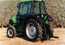 Visione posteriore del trattore Deutz-Fahr AgroCompact V 60