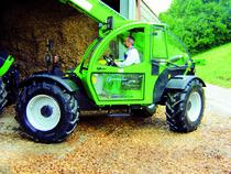[Deutz-Fahr] trattori Agrovector 26.6 e Agrovector 30.7 al lavoro e in studio fotografico