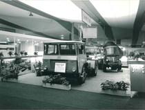 """Fiera di Parigi """"Poids Lourds"""", 1964 - In primo piano un Samecar Elefante TSW4x4"""