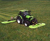[Deutz-Fahr] trattore Agrotron 128 al lavoro con falciatrice
