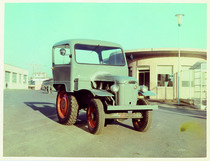 [SAME] trattore Puledro cabinato nel piazzale della fabbrica di Treviglio