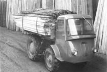 Samecar Industriale durante il trasporto di legna