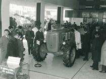 66ª Fiera Internazionale dell'Agricoltura Verona, 8-16/3/1964 - In primo piano un trattore SAME Ariete 4RM