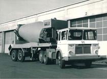 Samecar Elefante TS/A 6x4 con betoniera Loro e Parisini