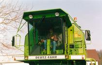 [Deutz-Fahr] particolare della cabina della mietitrebbia TopLiner