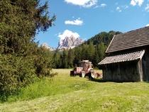 [SAME] trattore Explorer 70 con voltafieno nella valle di Braies (BZ)