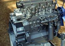 [Deutz-Fahr] dettagli mototre e ruote di un trattore Agrotron