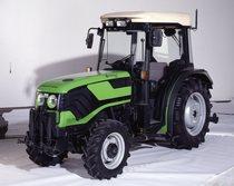 [Deutz-Fahr] trattore Agrocompact 70 F in studio fotografico