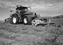 [SAME] trattore Iron 110 al lavoro con ripuntatore, erpice e seminatrice