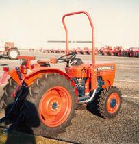 Trattore SAME Vigneron 35 a 4 ruote motrici in Francia