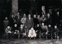 Stabilimento Moretti, foto di gruppo dipendenti
