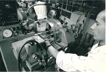 Stabilimento Same - Operai al lavoro nel Reparto controllo qualità