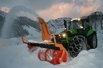 [Deutz-Fahr] trattore Agrotron M 650 con turbina e fresa per la neve