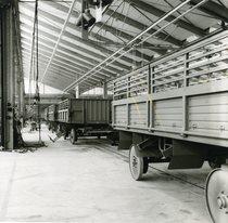[Ködel & Böhm] Interno della fabbrica di Lauingen, linea montaggio rimorchi