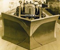 Lama sgombraneve a cuspidi montata su SAME 480 a 4 ruote motrici