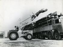 Forca caricatrice tronchi montata su SAME Leone 70 a 4 ruote motrici