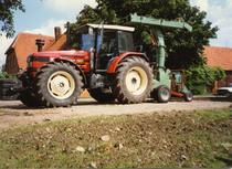 [SAME] trattore Titan 190 al lavoro con trinciaceppi