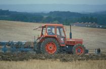 [SAME] trattore Leopard 85 al lavoro con erpice e aratro