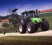 [Deutz-Fahr] trattore Agroplus 85 con andanatore