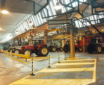 Stabilimento Same - Reparto delibera trattori da linee montaggio