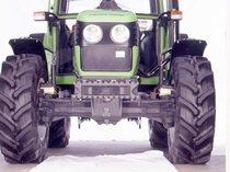 [Deutz-Fahr] trattore Agroplus 60 in studio fotografico