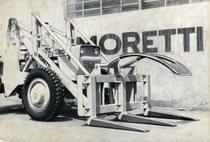 Forca caricatrice tronchi montata su SAME Centauro 60 a 4 ruote motrici