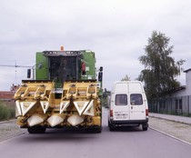 [Deutz-Fahr] mietitrebbia TopLiner 8 XL su strada
