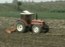 Preparation of the seed bed - Top dressing and furrow working