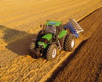 [Deutz-Fahr] trattore Agrotron 265 con aratro reversibile