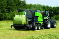 [Deutz-Fahr] trattori serie Agrotron al lavoro con andanatore e rotopressa