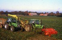 [Deutz-Fahr] trattore DX 145 e DX 110 al lavoro durante la raccolta delle barbabietole