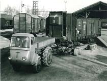 Samecar Agricolo durante il trasporto di vagoni ferroviari