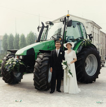 Trattore modello AGROTRON 6.30 tt testimone di nozze