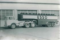 Samecar Elefante [TS/A] con cisterna Esso