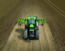 [Deutz-Fahr] trattore serie Agrotron al lavoro durante la preparazione del terreno con ripuntatore ed erpice