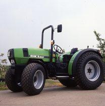 [Deutz-Fahr] trattore DX 3.90 F vista laterale