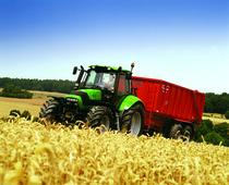 [Deutz-Fahr] trattori serie Agrotron al lavoro in campo