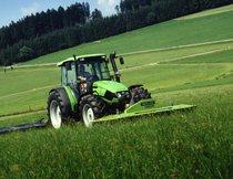 [Deutz-Fahr] trattore Agroplus 100 al lavoro con falciatrice KM 3.27 FS