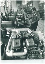 Stabilimento Same - Operai al lavoro nella Sala prova motori