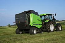 [Deutz-Fahr] trattore Agrotron K 110 al lavoro con rotopressa