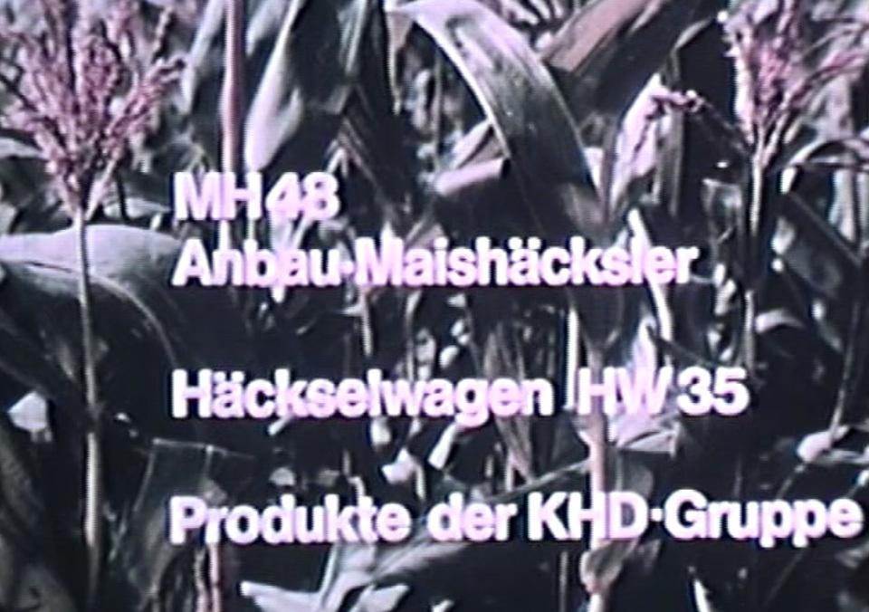 MH 48 Anbau-Maishäcksler und Häckselwagen HW 35 - Produckte der KHD-Gruppe