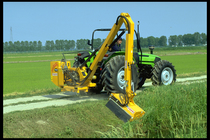 [Deutz-Fahr] trattori Agroplus 80 e Agrotron TTV 1160 al lavoro e particolari