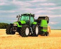 [Deutz-Fahr] trattore Agrotron TTV 1160 al lavoro con rotopressa RB 3.58