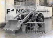 Forca e pala caricatrice montata su SAME DA 30 a 4 ruote motrici