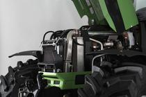 [Deutz-Fahr] trattore Agrotron M 650 in studio fotografico