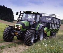 [Deutz-Fahr] trattore Agrotron 128 con rimorchio K 7.39 e falciatrice