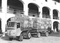 Samecar Agricolo con rimorchio per il trasporto dei covoni di fieno